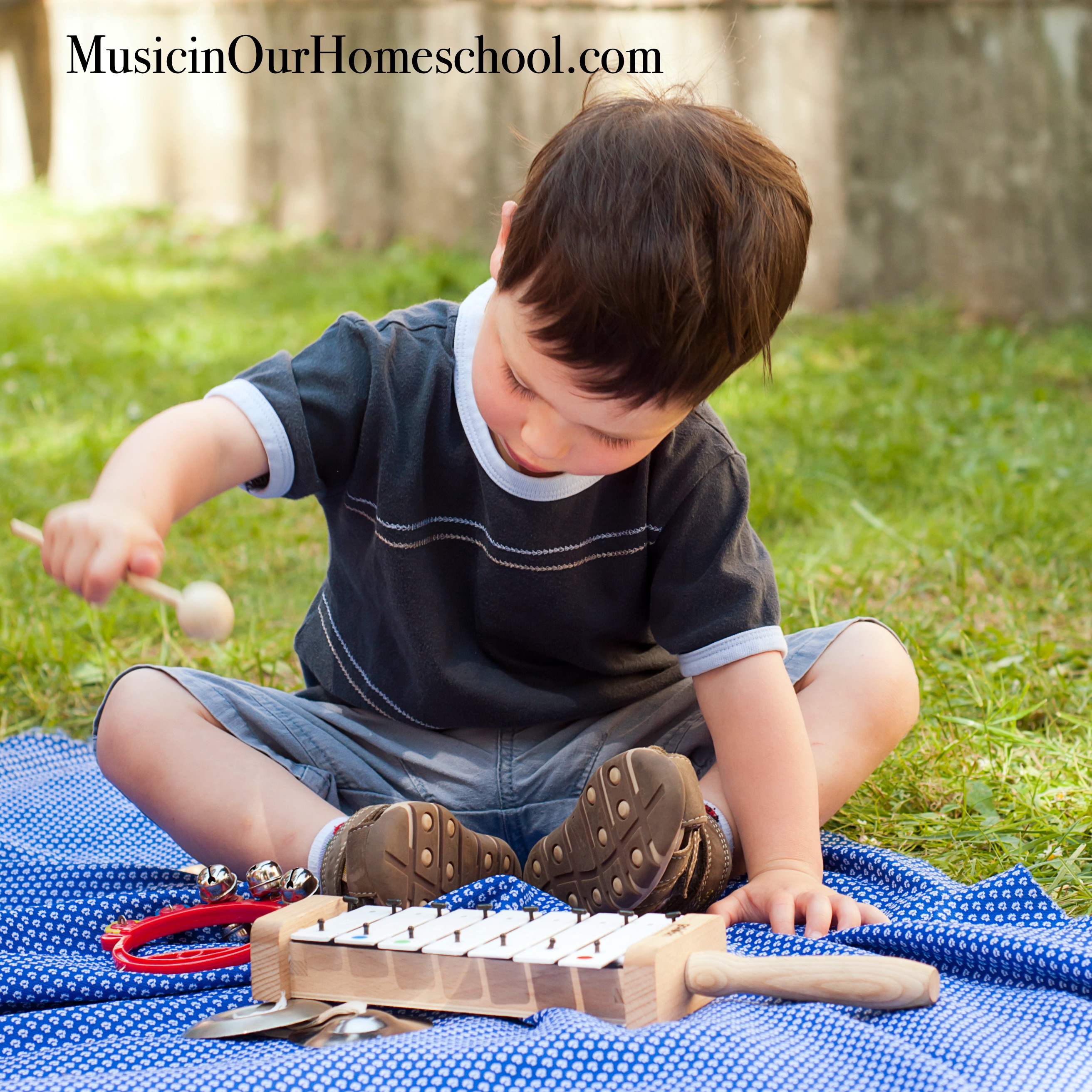 How to Teach Music the Charlotte Mason Way #charlottemason #musicinourhomeschool #homeschoolmusic